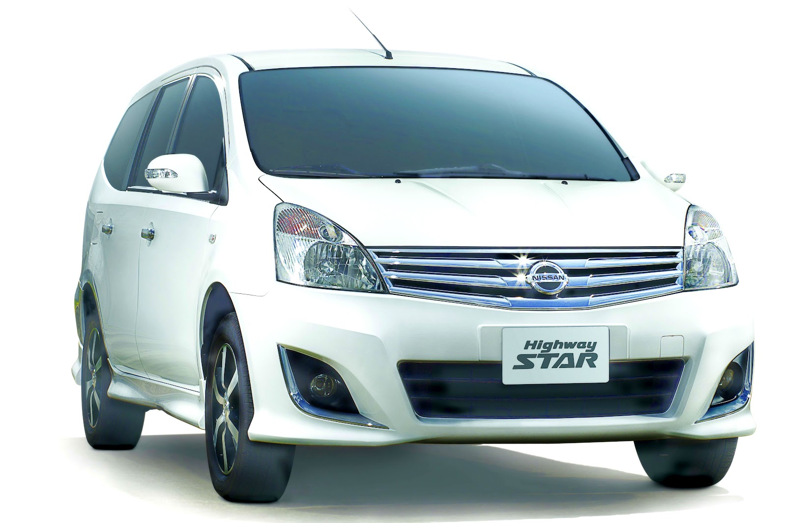 Image Nissan Grand Livina Highway Star A/T 1